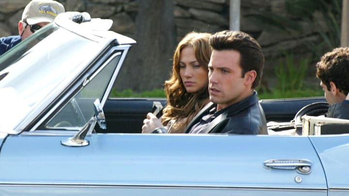 """Actors Ben Affleck and Jennifer Lopez on the set of """"Gigli"""""""