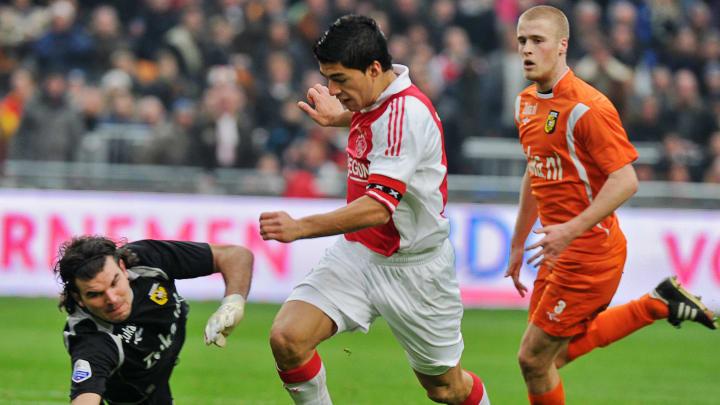 Als Kapitän von Ajax ging es im Winter 2011 nach Liverpool