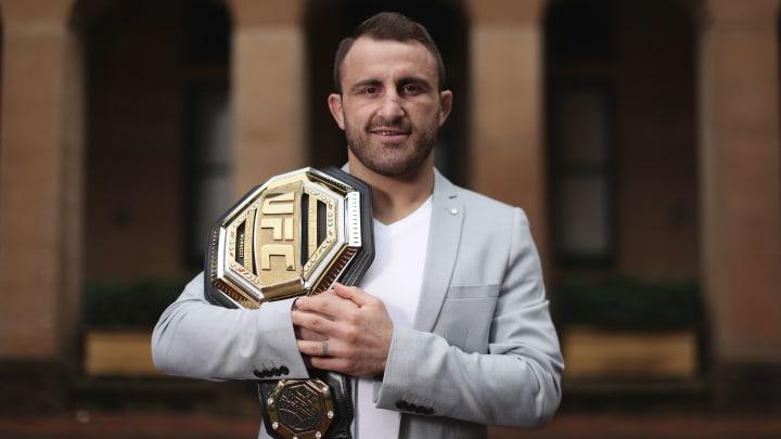 Alex Volkanovski vs Brian Ortega UFC 260 featherweight title bout odds, prediction, fight info, stats, stream and betting insights.