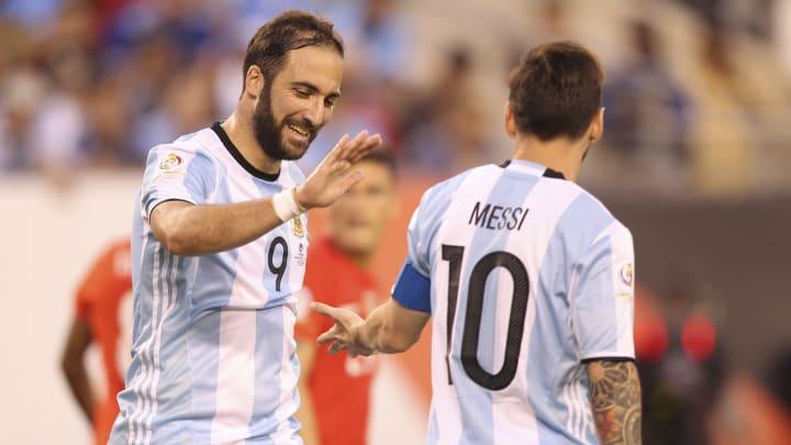 Messi e Higuaín têm longa história de parceria na seleção