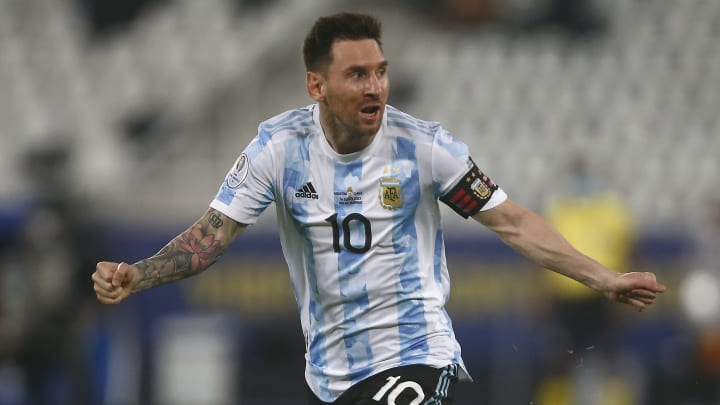 Gol de Messi y récords