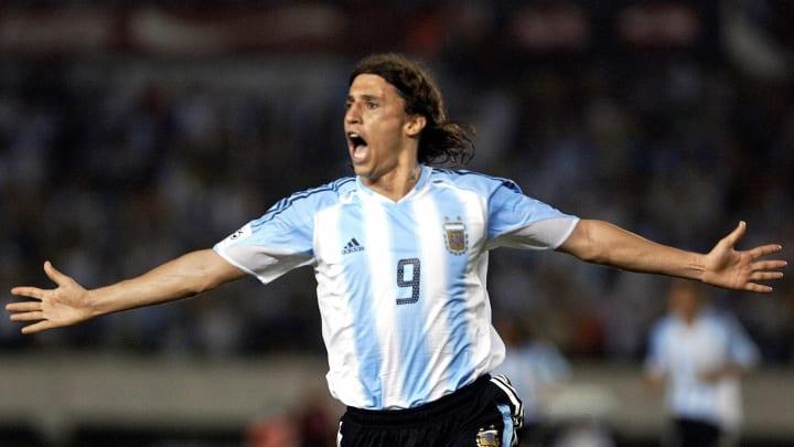 Argentine Hernan Crespo celebrates after
