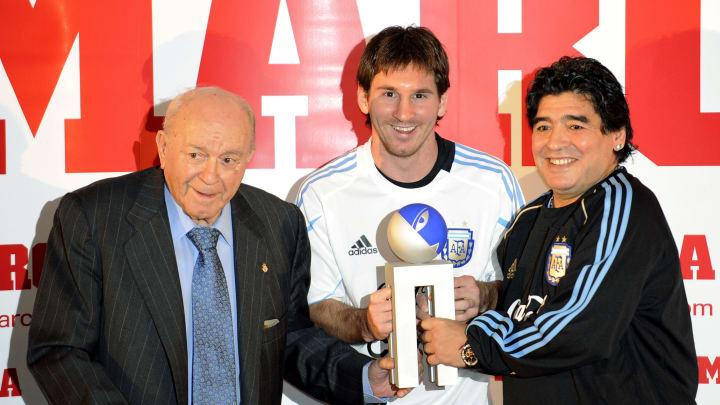 Argentinian football player Lionel Messi - Di Stéfano, Messi y Maradona, los tres mejores futbolistas argentinos de la historia.