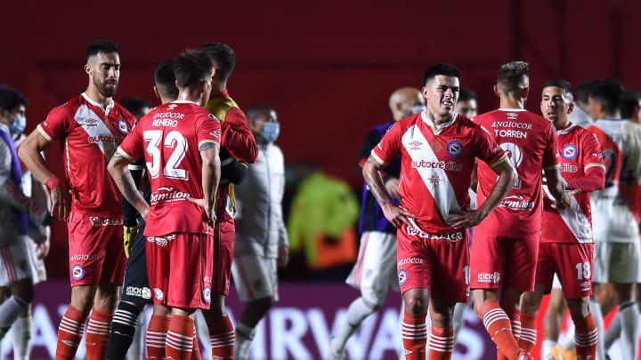 Argentinos Juniors v River Plate - Copa CONMEBOL Libertadores 2021 - Nicolás Reniero falló un gol insólito.