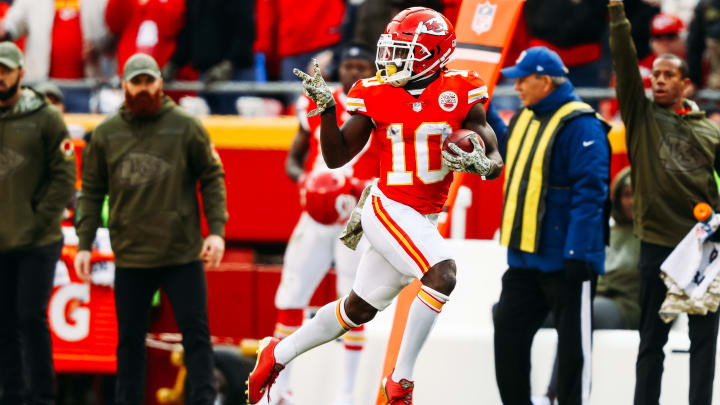 KANSAS CITY, MO - NOVEMBER 11: Tyreek Hill #10 of the Kansas City Chiefs celebrates a punt return touchdown that would be called back due to penalty in the fourth quarter of the game against the Arizona Cardinals at Arrowhead Stadium on November 11, 2018 in Kansas City, Missouri. (Photo by Jamie Squire/Getty Images)