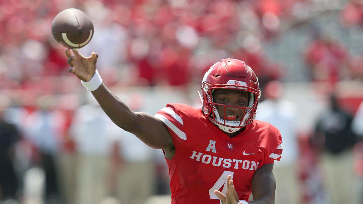 HOUSTON, TX - SEPTEMBER 8: D'Eriq King #4 of the Houston Cougars passes against  the Arizona Wildcats in the first quarter at TDECU Stadium on September 8, 2018 in Houston, Texas.  (Photo by Thomas B. Shea/Getty Images)
