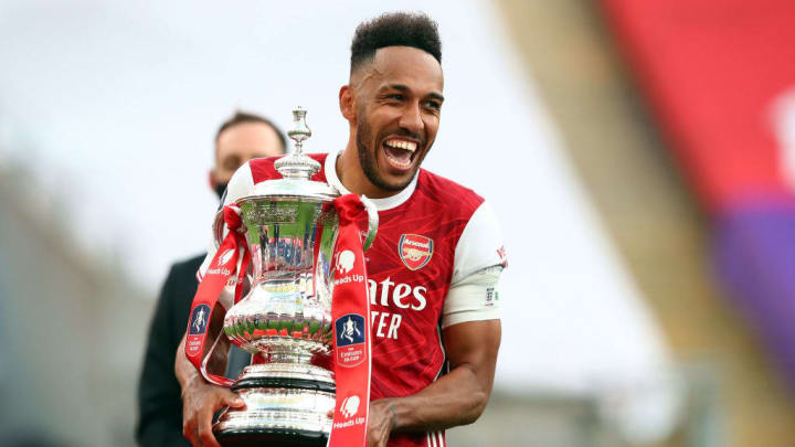 Arsenal are desperate to tie Aubameyang down long-term - 'sign da ting' as the kids say