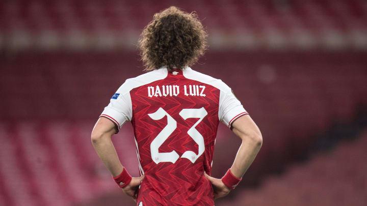 O zagueiro pode estar voltando ao futebol francês   Arsenal v Olympiacos - UEFA Europa League Round Of 16 Leg Two