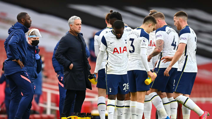 Tottenham saiu na frente, mas perdeu de virada para o rival Arsenal