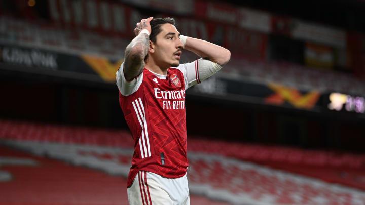 Héctor Bellerín e mais três: veja os quatro nomes que podem deixar o Arsenal nas próximas semanas.