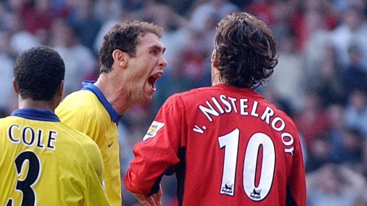 Arsenal's Martin Keown taunts Manchester