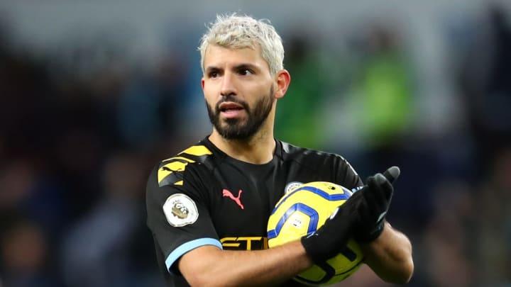 Cinco gols numa partida, estreia com dois tentos e jogadas individuais incríveis: confira cinco momentos inesquecíveis de Agüero no Manchester City.