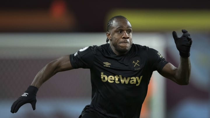 Antonio is poised for a switch of allegiance