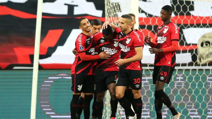 Nikão Athletico-PR Atlético-GO Copa do Brasil