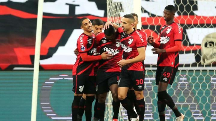 Nikão Athletico-PR Atlético-MG Brasileirão