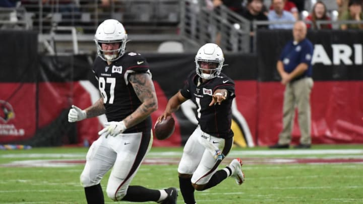 GLENDALE, ARIZONA - OCTOBER 13: Kyler Murray #1 of the Arizona Cardinals points to a defender that he wants teammate Maxx Williams #87 to block against the Atlanta Falcons at State Farm Stadium on October 13, 2019 in Glendale, Arizona. (Photo by Norm Hall/Getty Images)