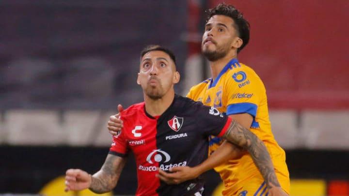 Marcelo Correa, Antonio Reyes