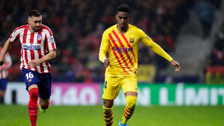 Junior Firpo devrait enfin quitter Barcelone cet hiver.