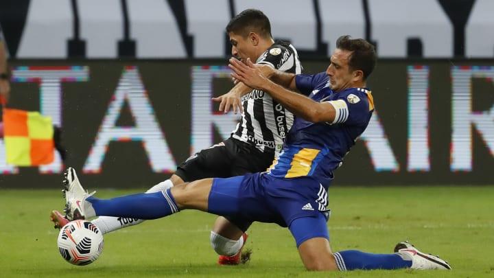 Carlos Izquierdoz, la peor pesadilla de los delanteros de Mineiro.