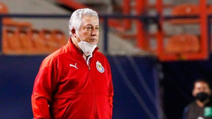 Víctor Manuel Vucetich con Chivas