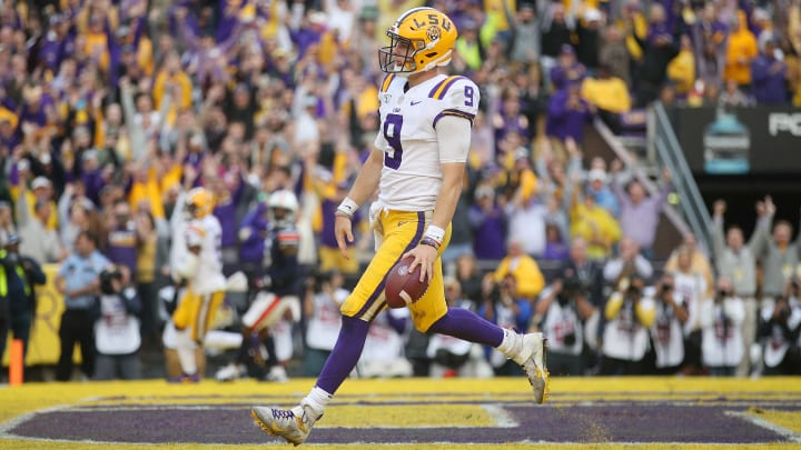 BATON ROUGE, LOUISIANA - OCTOBER 26:  Joe Burrow #9 of the LSU Tigers runs into the endzone for a touchdown against the Auburn Tigers during the second half at Tiger Stadium on October 26, 2019 in Baton Rouge, Louisiana. (Photo by Chris Graythen/Getty Images)