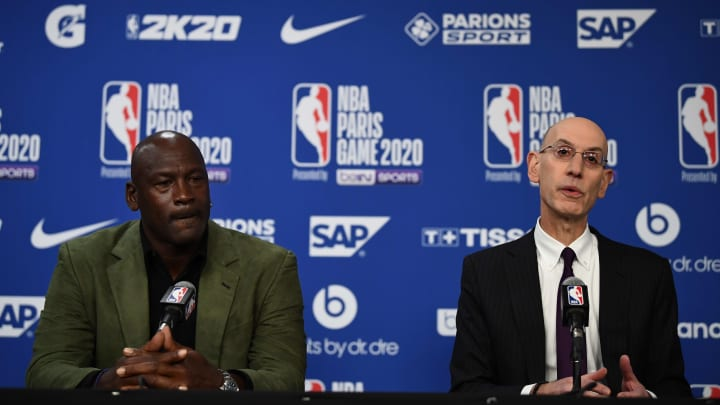 Michael Jordan (L) and Adam Silver (R) giving a press conference at the NBA Paris Game