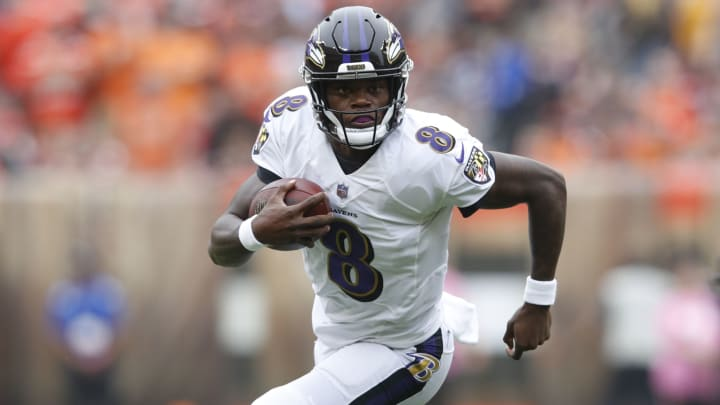 CLEVELAND, OH - OCTOBER 07: Lamar Jackson #8 of the Baltimore Ravens runs the ball in the third quarter against the Cleveland Browns at FirstEnergy Stadium on October 7, 2018 in Cleveland, Ohio. (Photo by Joe Robbins/Getty Images)