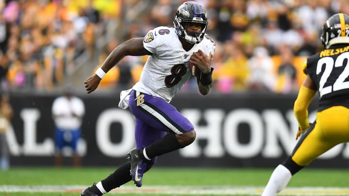 Steelers vs Ravens spread, odds, line, over/under and prediction for Week 8 NFL game.