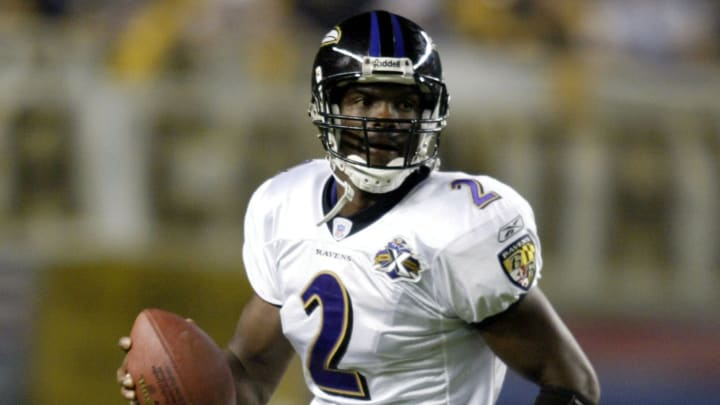 Baltimore Ravens Anthony Wright in action against the Pittsburgh Steelers at Heinz Field in Pittsburgh, Pennsylvania on October 31, 2005. (Photo by Sean Brady/NFLPhotoLibrary)