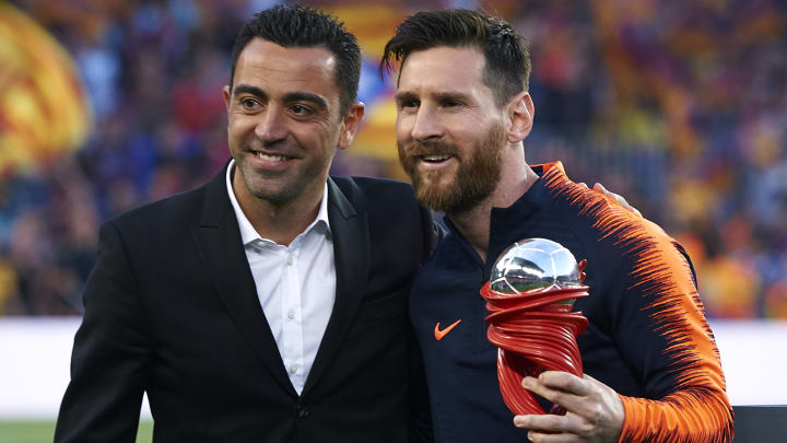 Xavi wants Messi to stay at Barcelona