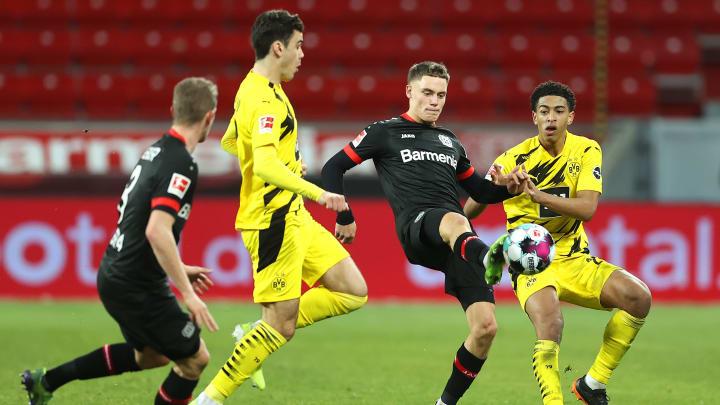 Florian Wirtz (2. v. r.) lenkte das Bayer-Spiel gekonnt