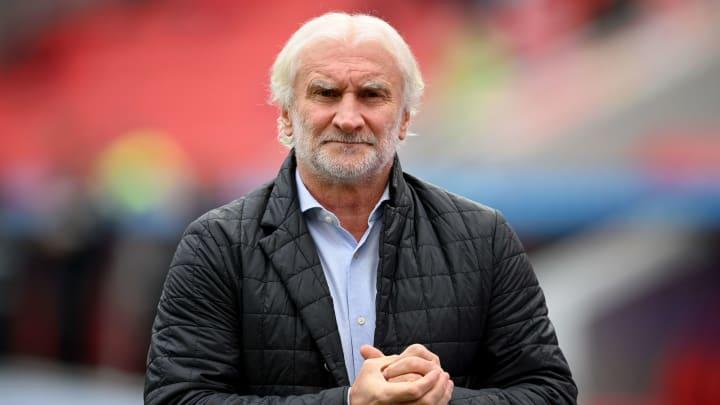 Rudi Völler kündigt noch einen Abwehr-Neuzugang in Leverkusen an