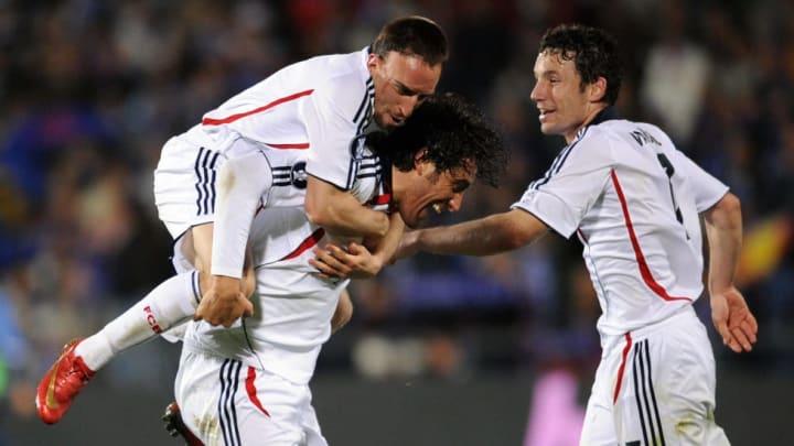 Bayern Munich's Franck Rib?ry (up) Toni