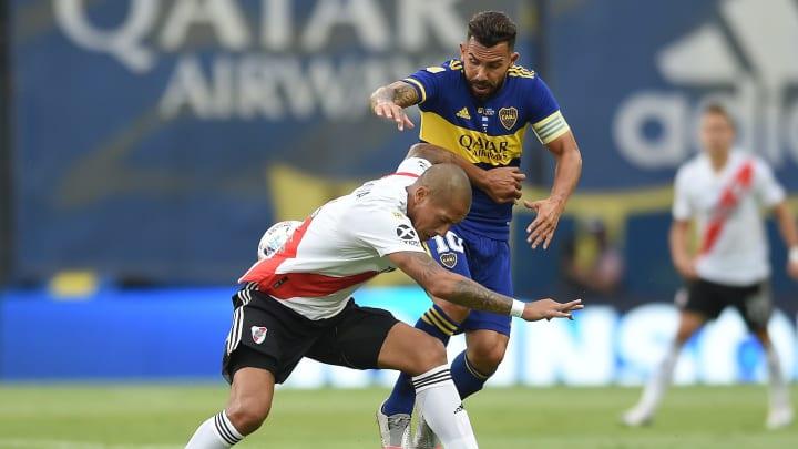 Boca Juniors v River Plate - Copa De La Liga Profesional 2021 - Tevez pelea contra Maidana.