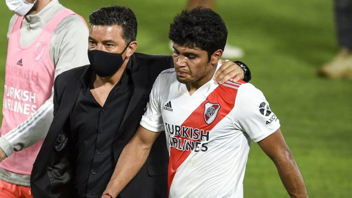 Robert Rojas con Gallardo