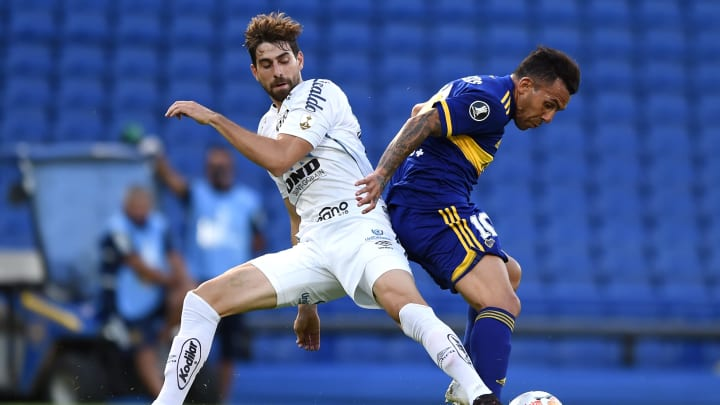 Jogador irá atuar no futebol francês   Boca Juniors v Santos - Copa CONMEBOL Libertadores 2020