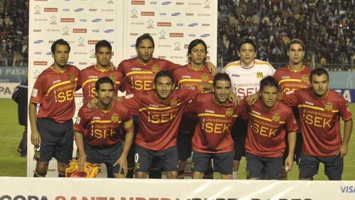 Bolivar v Union Espanola - Santander Libertadores Cup 2011