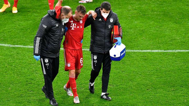 Ohne Joshua Kimmich (Mitte) fehlt den Bayern ein Spielmacher