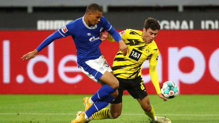 Malick Thiaw im Zweikampf mit Dortmunds Gio Reyna