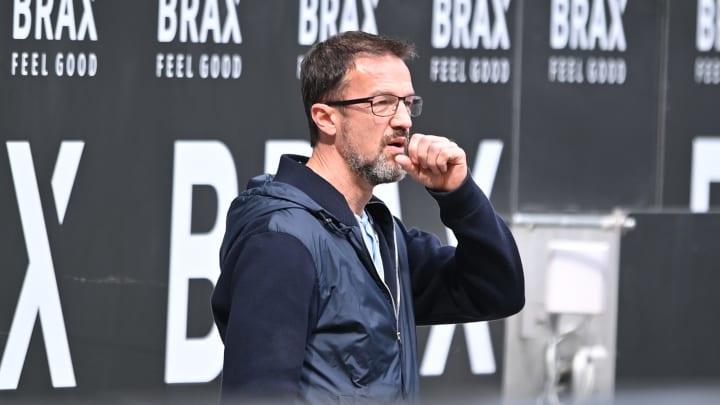 Fredi Bobic will auf dem Transfermarkt Geduld zeigen