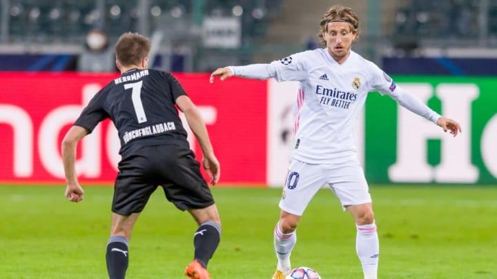 Borussia Moenchengladbach v Real Madrid: Group B - UEFA Champions League