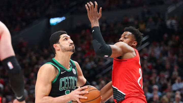 Enes Kanter going against Blazers' Hassan Whiteside
