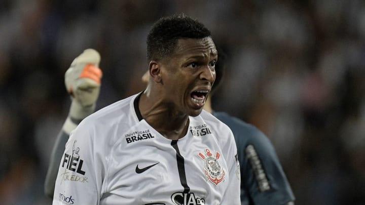 Jô é novo reforço do Corinthians