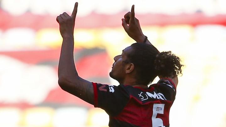 Arão entra na lista de jogadores desejados por Jorge Jesus no Benfica.