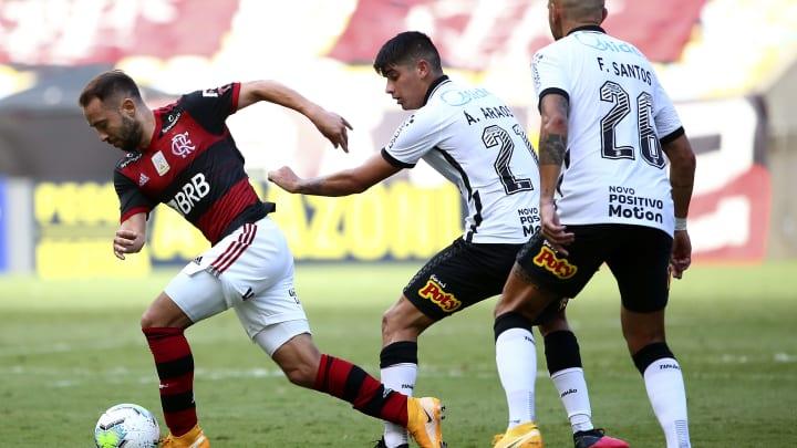 Corinthians e Flamengo se enfrentam na Neo Química Arena