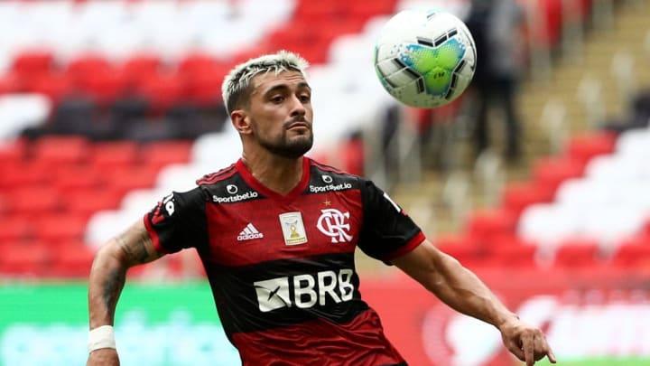 De Arrascaeta Flamengo Palmeiras Vasco Clássico dos Milhões