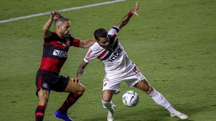 Daniel Alves e Diego estão na lista