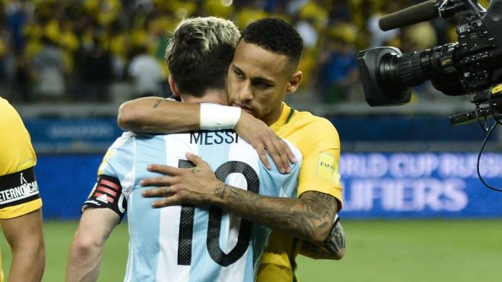 Após não se encontrarem por 'detalhe' na Champions League, Lionel Messi e Neymar vão se encontrar na final da Copa América.