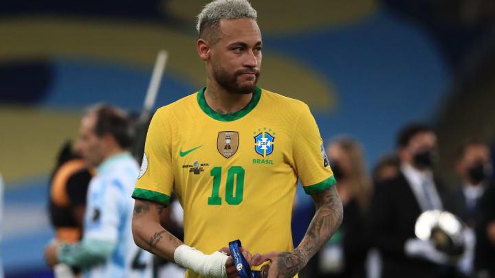 PSG : Le clan Neymar réagit aux photos polémiques sur son poids