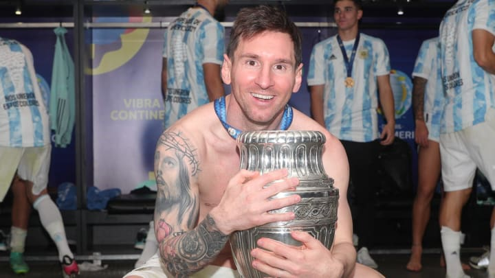 Messi's new Barcelona contract and other transfer rumours of the day